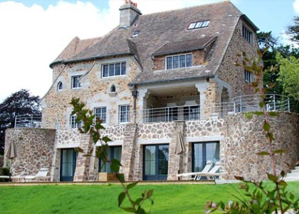 Halcyon tours brittany for Apart hotel quimper